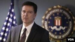 ທ່ານ James Comey ຫົວໜ້າຫ້ອງການສັນຕິບານກາງ ສະຫະລັດ ຫລື FBI.