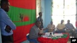 Vitorino Nhany, secretário provincial da UNITA em Benguela, durante a conferência de Imprensa