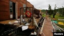 Quang cảnh tại thị trấn Yeppoon ở đông bắc Australia sau khi trận bão Marcia đổ bộ vào nơi này.