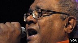 La gira del cantautor cubano incluye varias ciudades de EE.UU. y también Puerto Rico.