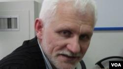 """白俄罗斯人权组织""""春天""""领导人别里亚茨基 (美国之音白桦拍摄)"""