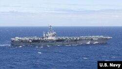 美国尼米兹级斯坦尼斯号航空母舰在太平洋航行(照片由美国海军提供)