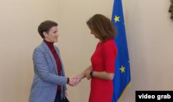 Kopredsedavajuća Parlamentarnog odbora za stabilizaciju i prodruživanje Evropska unija - Srbija Tanja Fajon tokom sastanka sa premijerkom Srbije Anom Brnabić, u Beogradu, 30. oktobra 2019.