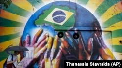 2014 브라질 월드컵 개막을 앞둔 10일 상파울로의 거리에 대회의 성공 개최를 기원하는 벽화가 그려져있다.