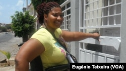 Joana Almada, bancária e portadora de deficiência