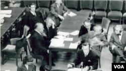 Ruang sidang Nuremberg di mana para penjahat perang Nazi disidang 65 tahun yang lalu.