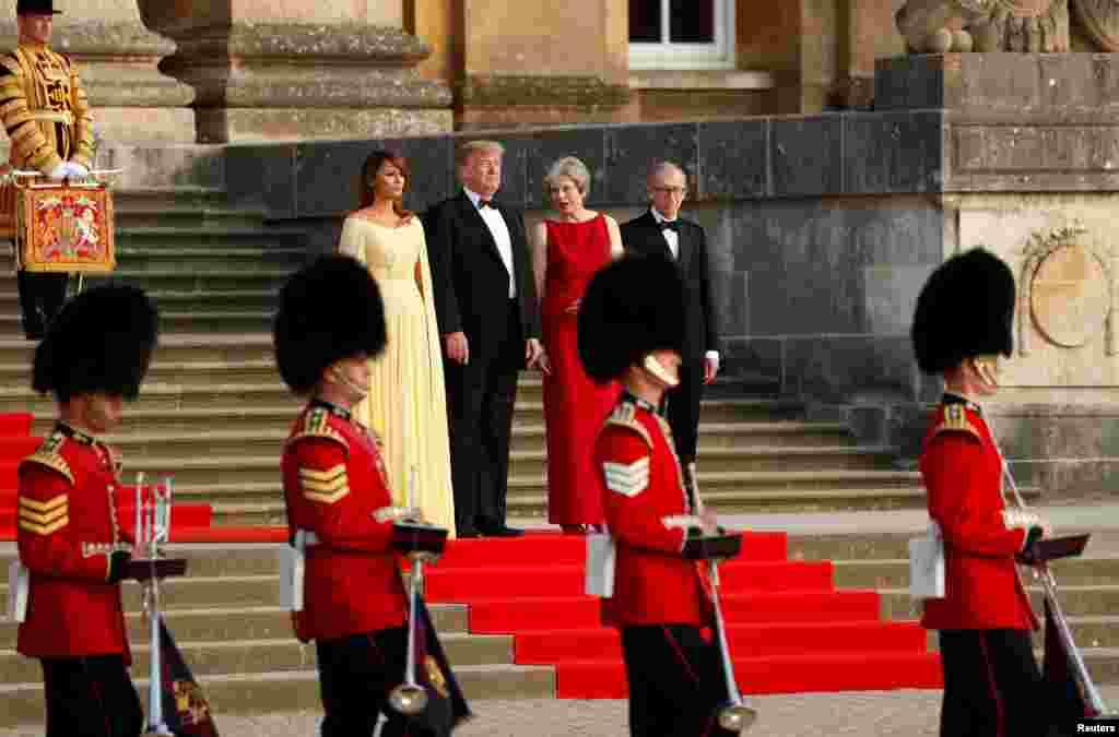 مراسم رسمی استقبال از پرزیدنت ترامپ و بانوی اول آمریکا در کاخ بلنهایم