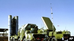 Russian S-300 anti-aircraft missile system is on display in an undisclosed location in Russia. (file photo)