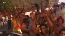 Plus d'une centaine de migrants forcent la frontière à Ceuta entre le Maroc et l'Espagne:155