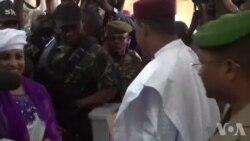 Cohue journalistique au Niger pour le vote du président Mahamadou Issoufou