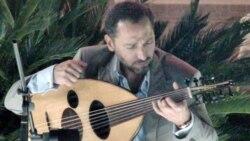 آهنگساز مهاجر عراقی می گوید موسیقی می تواند میهن جنگ زده او را نجات دهد