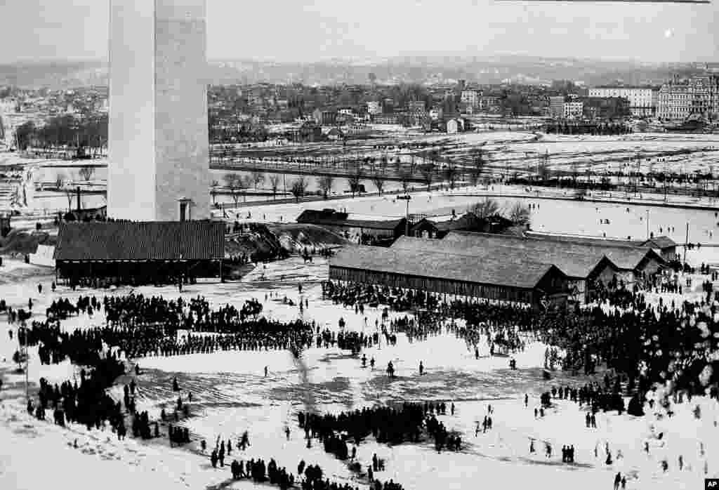 امروز در تاریخ: سال ۱۸۸۵ – افتتاحیه بنای یادبود واشنگتن در پایتخت آمریکا. یادبود واشنگتن که ۱۶۹ متر است، آن زمان بلندترین بنای دنیا بود.