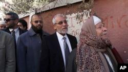 عکس آرشیوی از محمد بدیع رهبر اخوان المسلمین مصر (دوم از راست)
