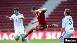 FIFA, telah memutuskan bahwa penutup kepala laki-laki dapat dipakai di lapangan dalam pertandingan sepakbola (foto: ilustrasi).