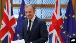 Avrupa Birliği liderleri bir kez daha Brexit konusunu masaya yatırmak için Brüksel'de toplanıyor. AB Konseyi Başkanı Tusk, 27'lerin birleşmiş kalmasının önemine dikkat çekti.