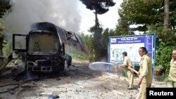El bus atacado salía de la universidad cuyo estudiantado es femenino.