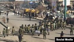 رویائی پلیس و تظاهرکنندگان در کرمانشاه