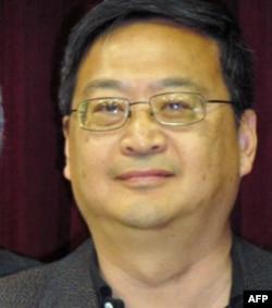 西方大学政治系主任季淳