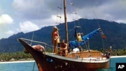 Kerry Hamil, sailing with his then-girlfriend Gail Colley, in the 1970s.