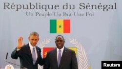 Tổng thống Mỹ Barack Obama trong cuộc họp báo chung với Tổng thống Senegal Macky Sall tại Dakar, ngày 27/6/2013.