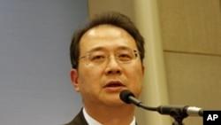 台灣淡江大學國際戰略研究所教授黃介正