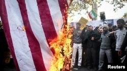 İranda ABŞ əleyhinə etirazlar