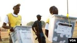 Observadores sostienen que la votación estuvo de acuerdo con los estándares internacionales para elecciones democráticas.