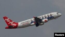 Pesawat AirAsia lepas landas dari Bandara Internasional Kuala Lumpur International, Malaysia. (Foto:Dok)