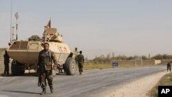 نیرو های امنیتی افغان در مسیر شاهراه بین بغلان و کندز