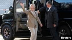 Dolazak Hillary Clinton na glasačko mjesto