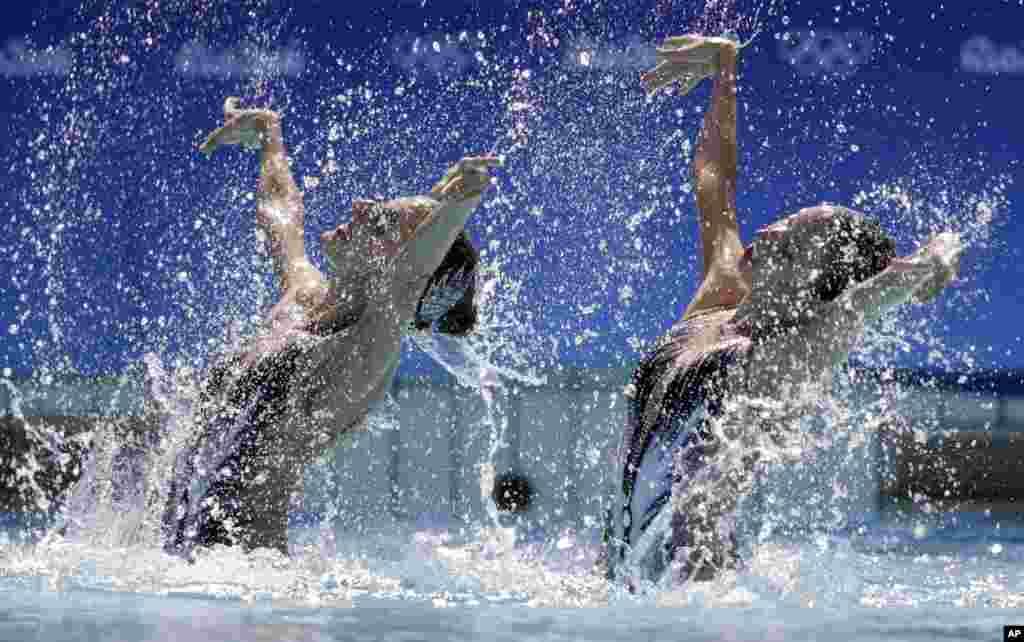 عکس هایی از المپیک ریو: تیم شنای نمایشی اتریش