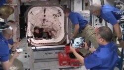 Встреча экипажа Crew Dragon на МКС