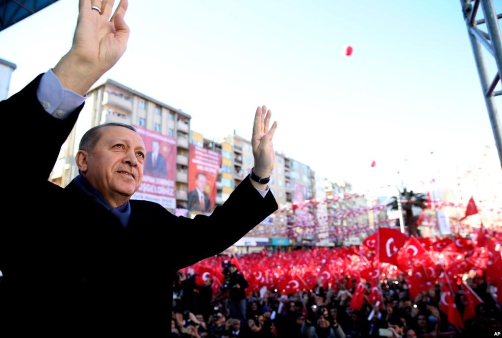 İktidar 'Güven ve İstikrar' Muhalefet 'Denetim ve Kuvvetler Ayrılığı' Diyor