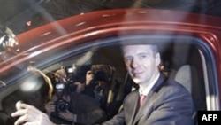 Mikhail Prokhorov bir otomobil fuarında görülüyor (AP Photo/Sergey Ponomarev)