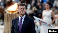 2014년 소치 동계 올림픽에 성화 채화식에 참석한 드미트리 코자크 러시아 부총리. 유럽연합은 29일 코자크 부총리 등 15명을 제재 대상에 추가했다.