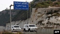 Kendaraan militer Pasukan Perserikatan Bangsa-Bangsa di Lebanon (UNIFIL) memasuki Naqura, kota perbatasan selatan Lebanon, lokasi penyelenggaraan putaran kedua pembicaraan Lebanon dan Israel, 28 Oktober 2020.