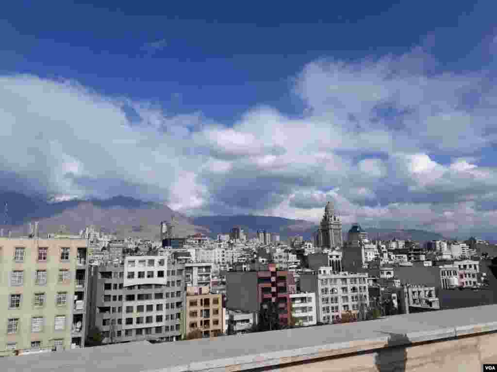 آسمان آبی تهران عکس: الهه (ارسالی شما)