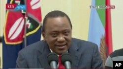 Le président Uhuru Kenyatta tient un discours après la décision de la cour suprême invalidant les résultats de la présidentielle à Nairobi, Kenya, 1er septembre 2017.