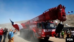 La gigantesca maquinaria fue operada por especialistas como los cuatro estadounidenses que viajaron desde Afganistán a Chile para participar del rescate.