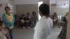 """""""Estamos a la buena de Dios"""": enfermeros venezolanos cuentan cómo combaten el coronavirus"""