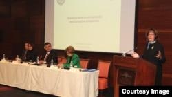 Cormack: Studenti će informacije sa suđenja predstaviti javnosti (Foto: Ambasada SAD-a)