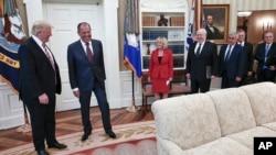 Tổng thống Donald Trump tiếp Bộ trưởng Ngoại giao Nga Sergey Lavrov, tại Tòa Bạch Ốc ngày 10/5/2017.