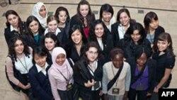 Mục đích của hội nghị Girls 20 là muốn các nhà lãnh đạo nhóm G-20 sắp sửa họp phải lưu ý về tình trạng của người phụ nữ khắp nơi
