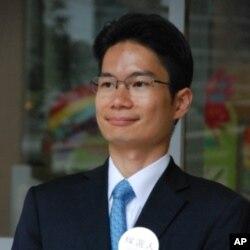 自由黨香港島山頂選區候選人陳浩濂在區議會選舉勝選