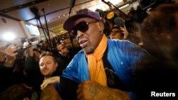 La estrella retirada de la NBA, Dennis Rodman, aseguró a la prensa que lo esperaba en Pekín, que volverá a Corea del Norte el próximo mes de febrero.