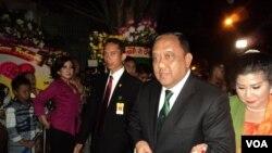 Kepala BIN, Marciano Norman saat menghadiri pernikahan putra sulung Presiden Jokowi di Solo, Kamis malam 11/6 (foto: VOA/Yudha).
