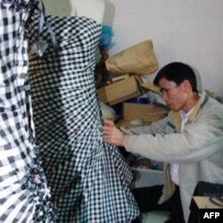晚礼服的制作工序需要大量熟练员工处理