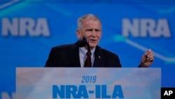 NRA Başkanı Oliver North, ikinci dönem adaylığını koymayacağını mektupla bildirdi