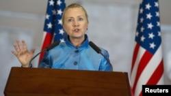 Clinton, de visita en Europa, irá a Turquía, país vecino de Siria, el jueves 7 de junio.