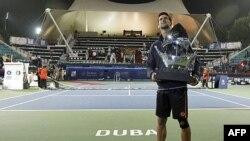 Novak Đoković treću godinu zaredom sa trofejem šampiona turnira u Dubaiju